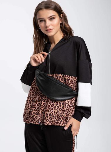 DeFacto Renk Bloklu Yarım Fermuarlı Relax Fit Sweatshirt Siyah